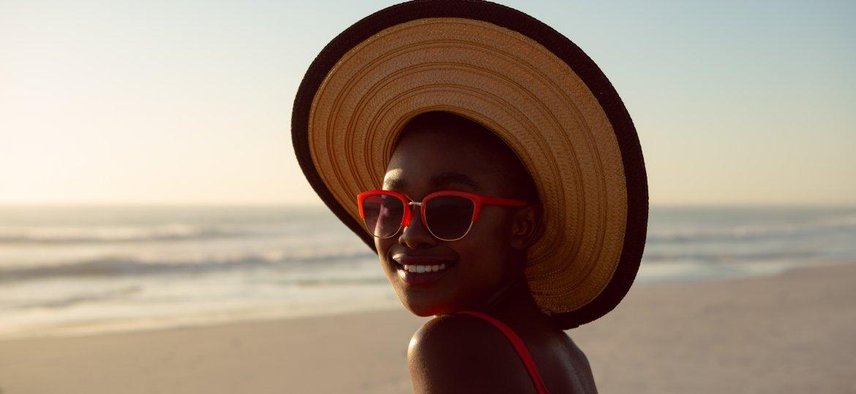 Cuidados básicos que seus olhos precisam durante o verão