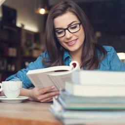 Gosta de ler? Veja quais cuidados você precisa ter com a visão!