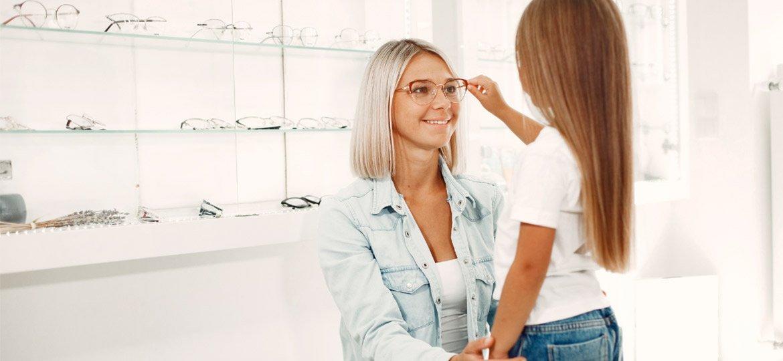 Motivos para presentear sua mãe com óculos de sol e de grau
